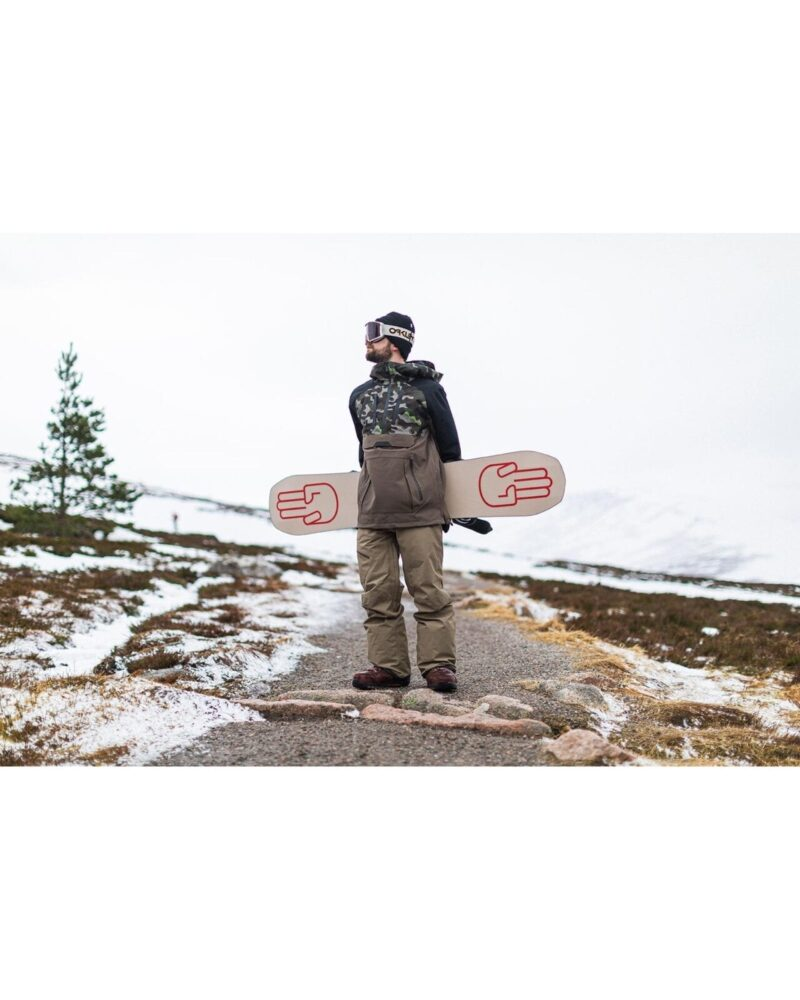 Volcome snowboard jacked