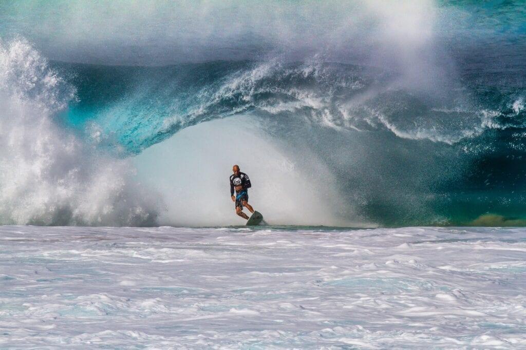 Banzai pipeline Hawaii surfer