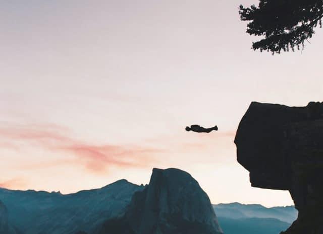 BASE jumping - extreme